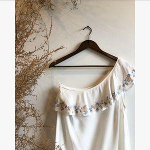 Francesca's White Off shoulder top NWOT
